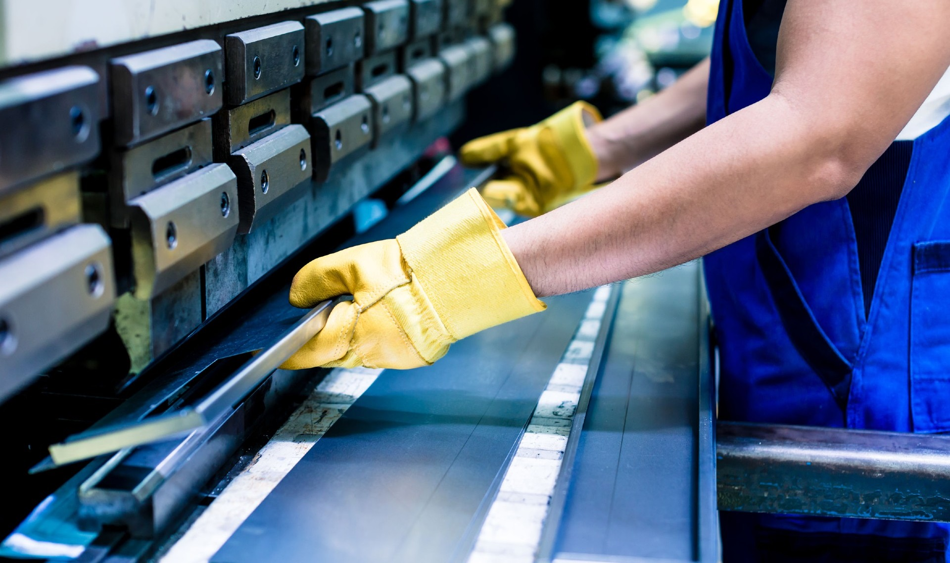Piegatura lamiere in acciaio inox, alluminio e ferro a Bergamo